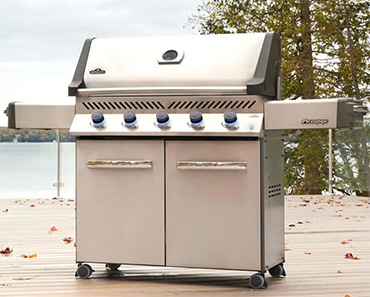 Napoleon Prestige P500-3 Stainless Steel Gas Grill